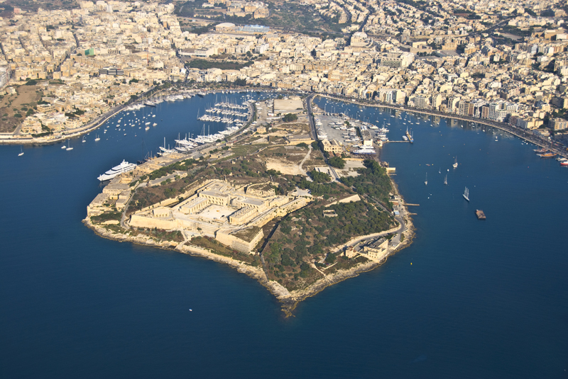 Il-Gzira Malta  city pictures gallery : This is an aerial view of Valletta An Aerial view of Marsamxett Harbor